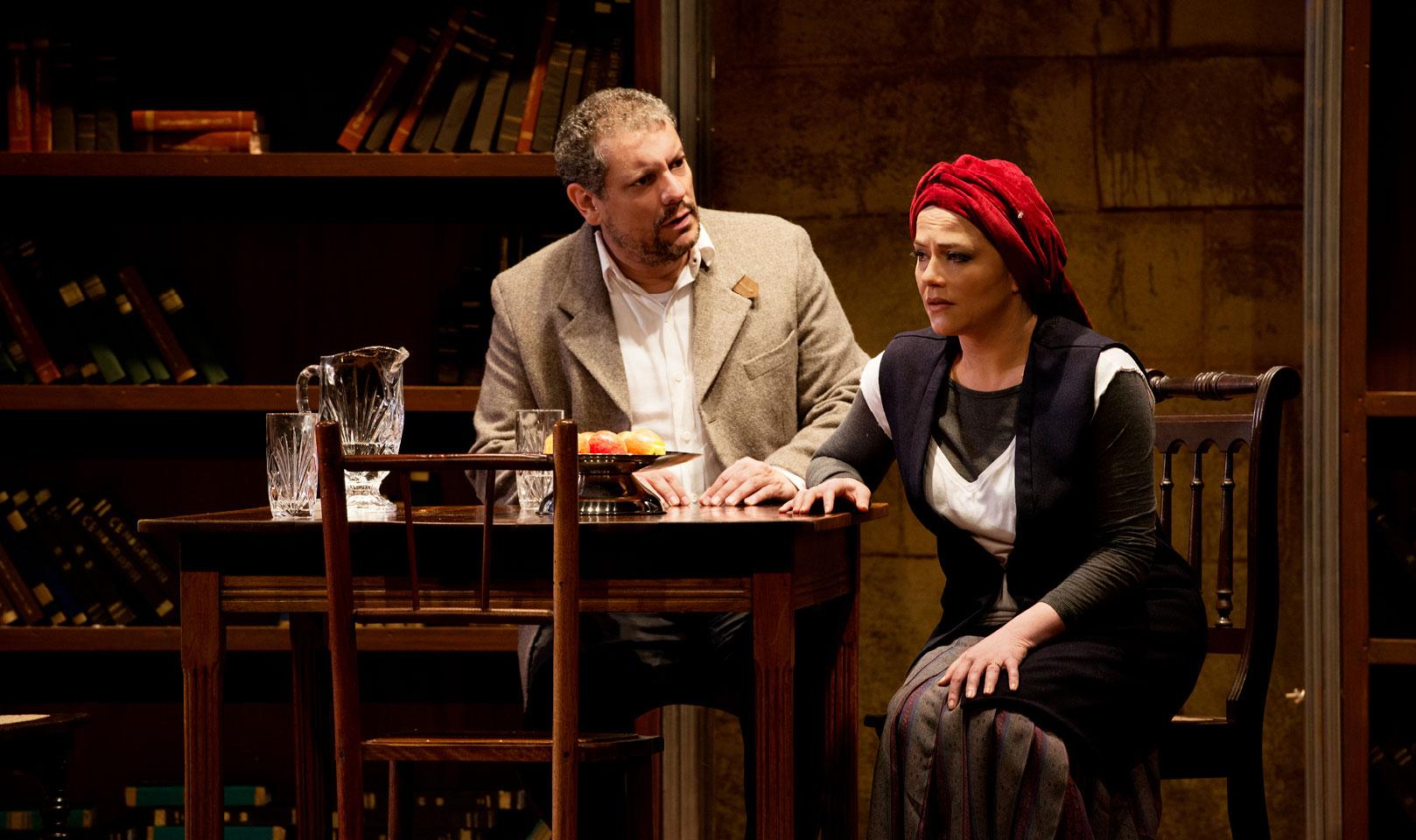 Viviane Pasmanter e Marcello Airoldi, em Amor Profano (2019).
